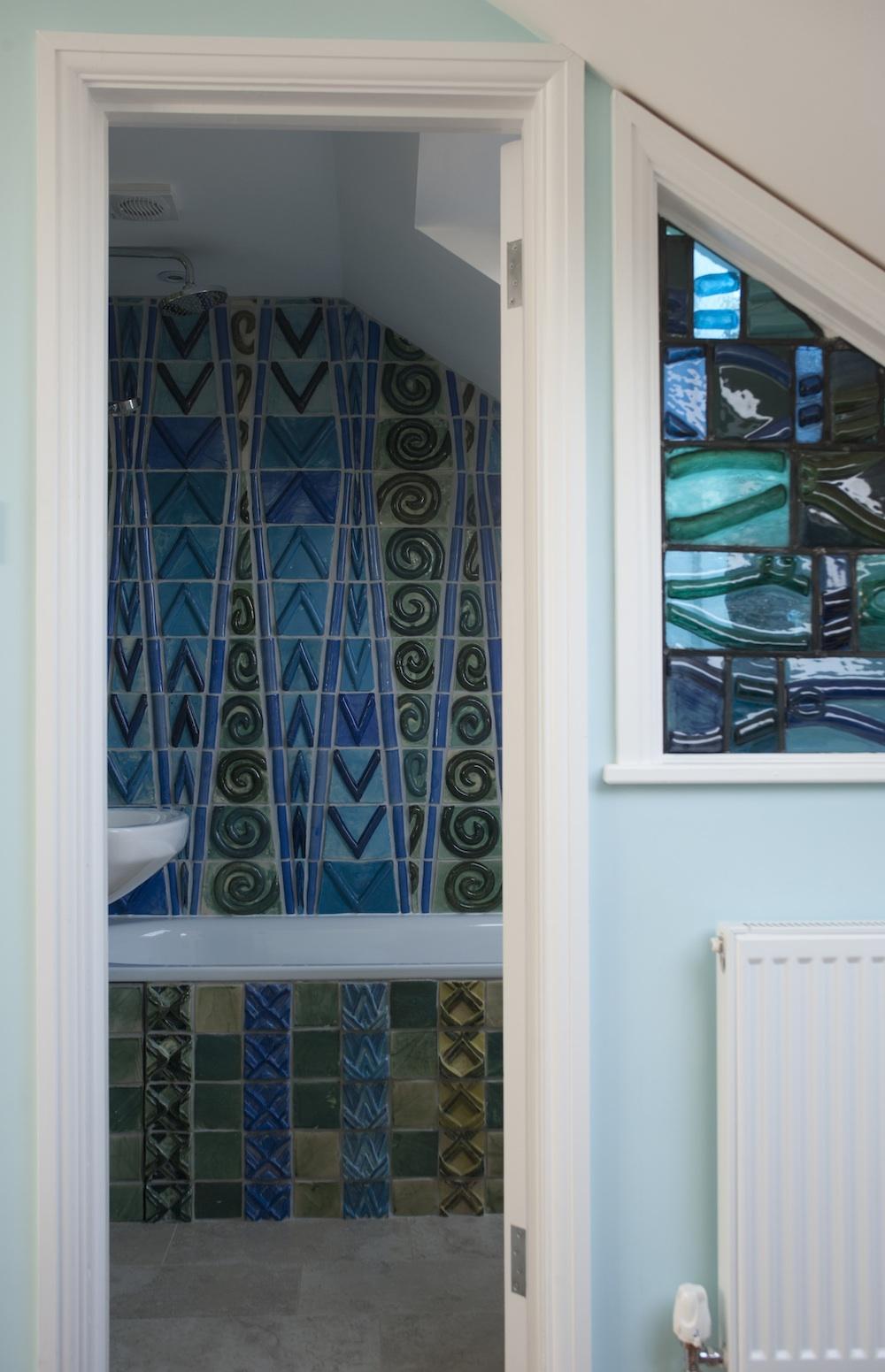 Llanbradach Spires Bathroom – The Ceramic House
