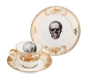 Skull cup saucer side gold