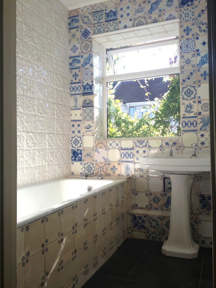 portuguese-bathroom-overview