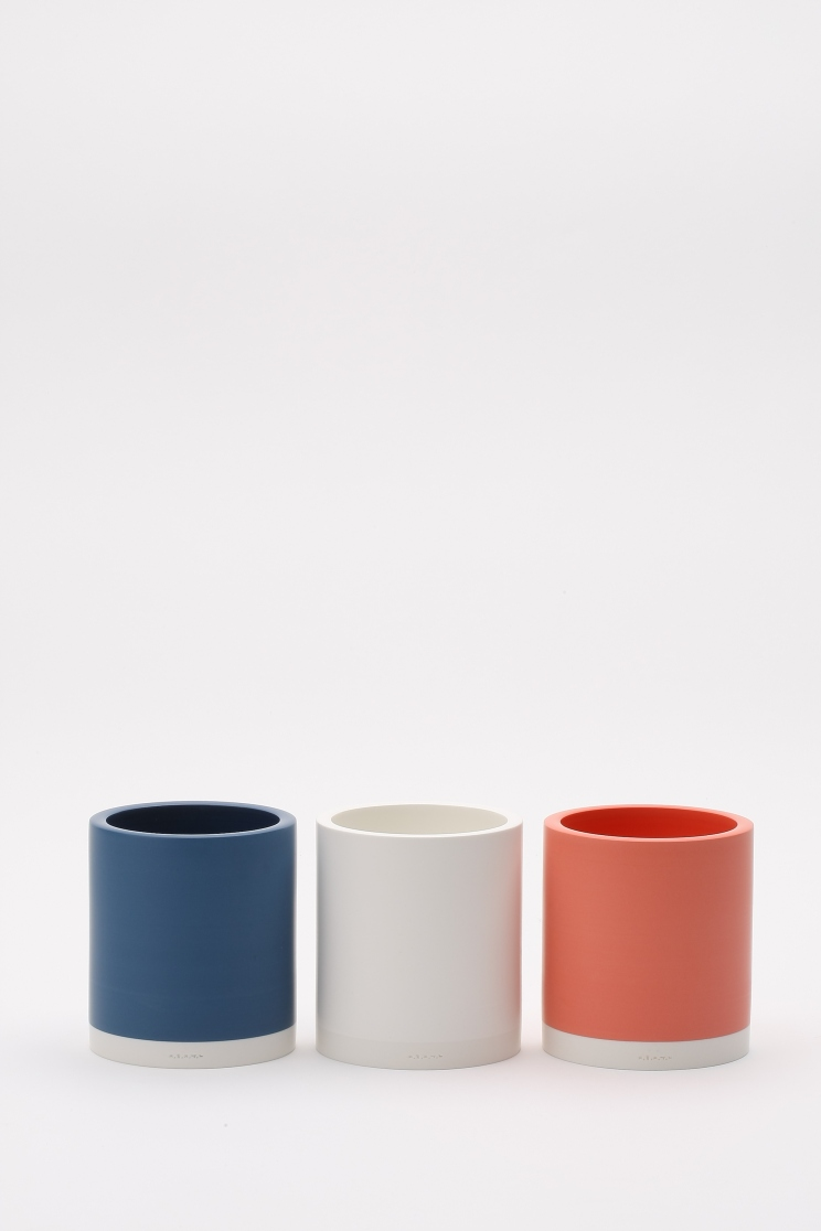 Jae Jun Lee, Coloured Cylinders, 9.5x9.5xh10(cm), porcelain and pigmented porcelain, 1280 Oxidation fired, 2016