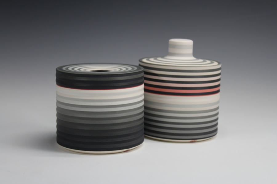 Jin Eui Kim, OPject – Reversible Lidded Boxes, Earthenware, 1120ºC Wheel-thrown and brushed 18 tones of engobes, D:11cm×H:11cm, 2016